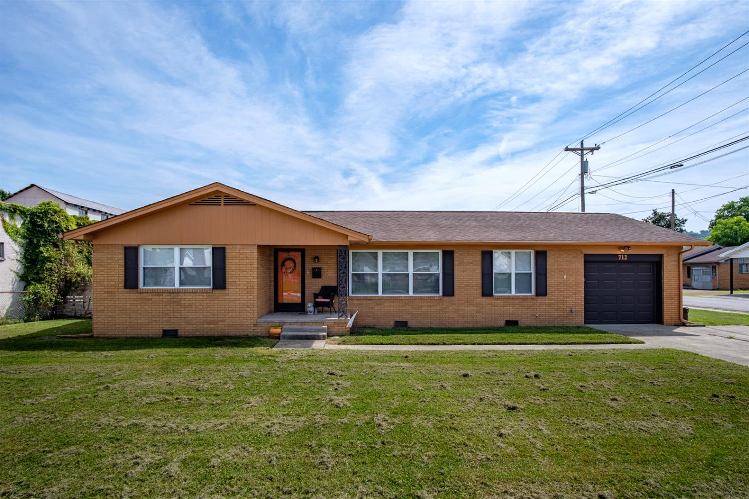 712 N Main St, Barbourville, KY 40906