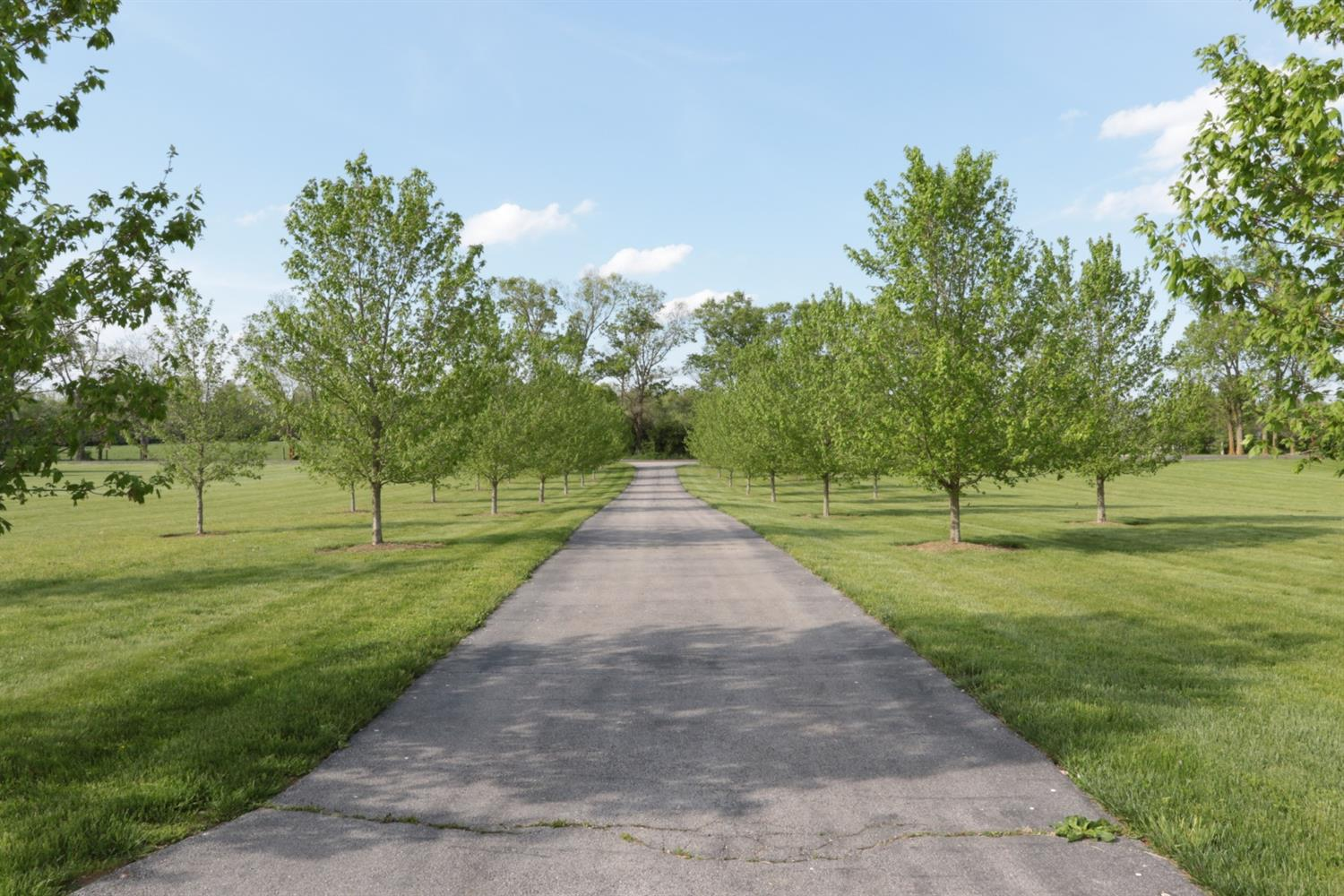 509 Combs Ferry Rd, Winchester, KY 40391