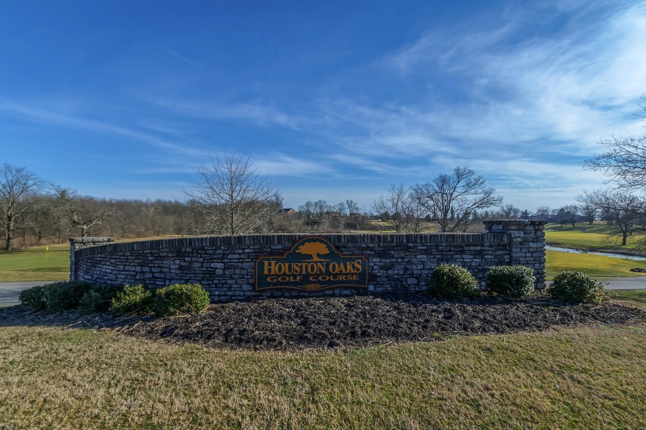 521 Houston Oaks Dr, Paris, KY 40361
