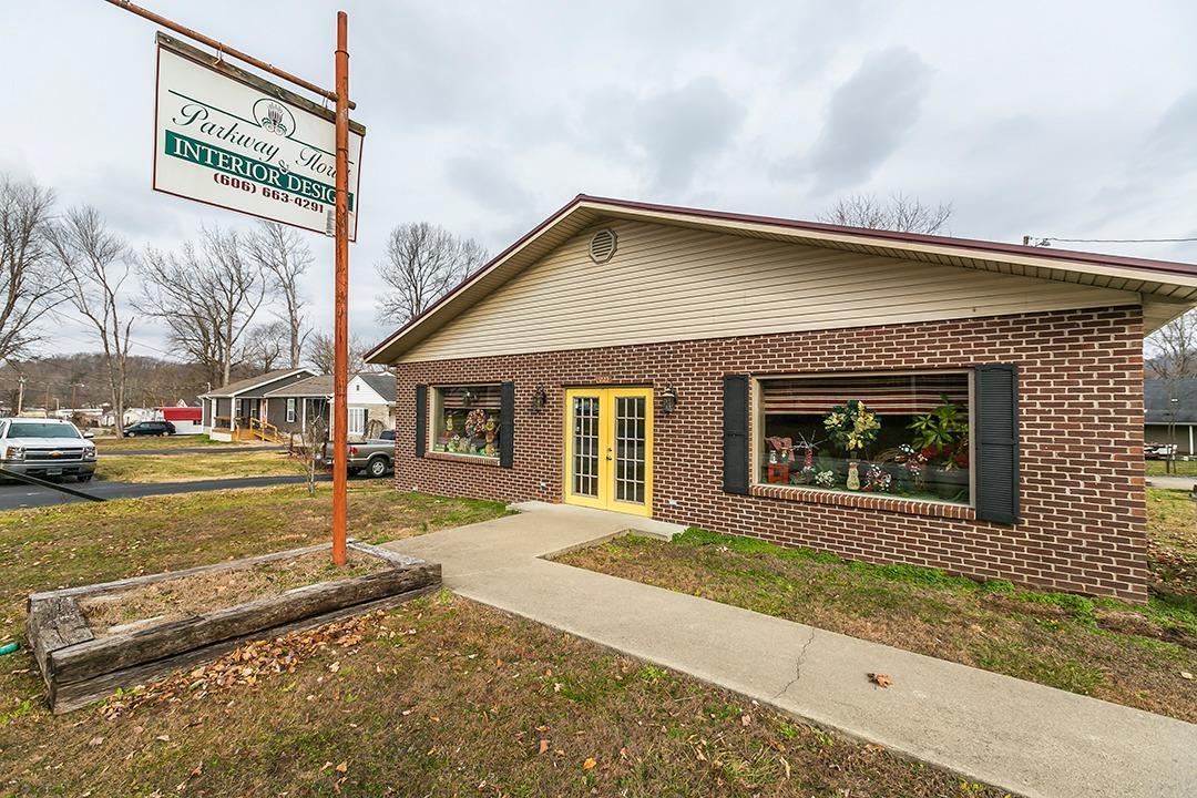 4994 Main St, Clay City, KY 40312