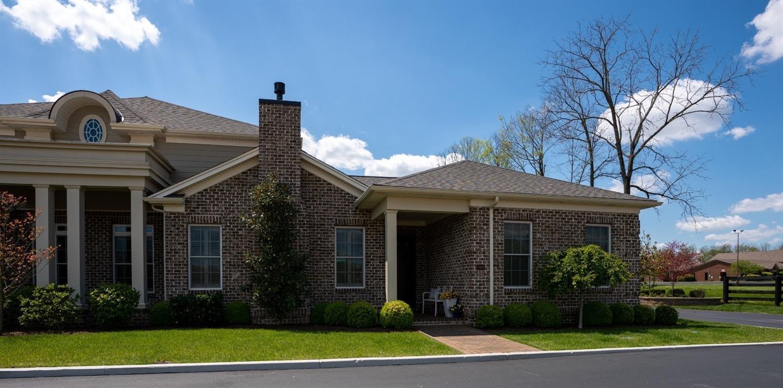 3400 Country Club Dr, Lexington, KY 40509