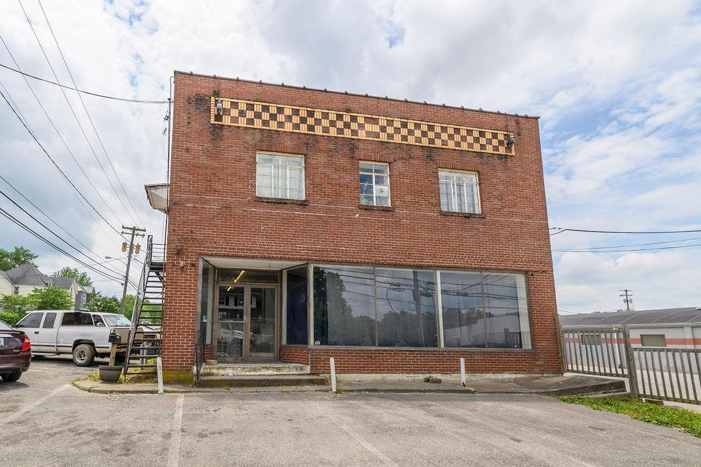 502 W Lexington Ave, Winchester, KY 40391
