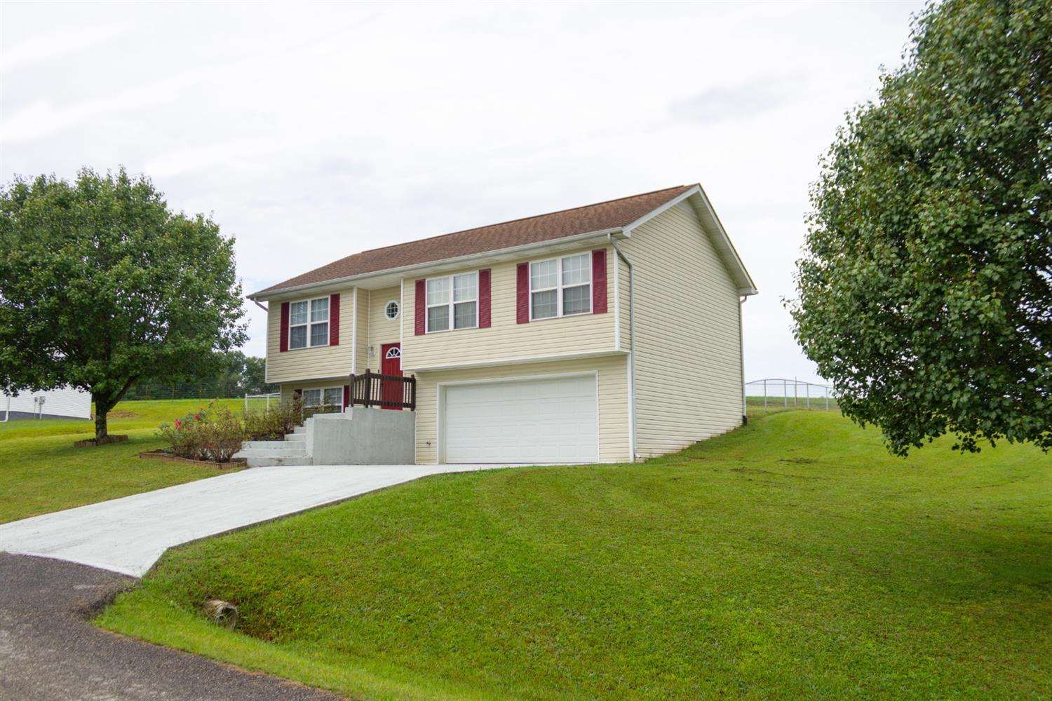 115 Cam Ct. Dr., Lily, KY
